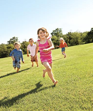 Trẻ cần vận động mạnh 7 phút mỗi ngày để bảo vệ và tăng cường sức khỏe.