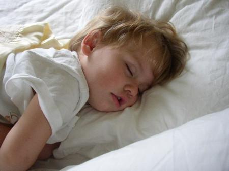 Trẻ thỉnh thoảng sẽ ngủ ngáy, đặc biệt là khi chúng bị cảm lạnh.