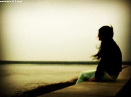 Tôi đau buồn lắm, nhưng một ngày nào đó anh sẽ nhạt nhòa trong tôi