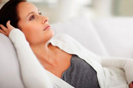 Suy buồng trứng là tình trạng buồng trứng ngừng hoạt động sớm ở tuổi dưới 40.