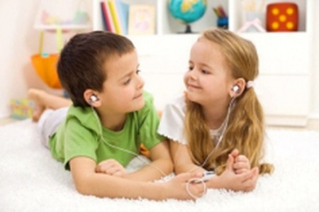 Hãy dạy cho con bạn cách chia sẻ.
