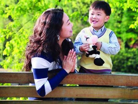 Hãy sống vui vẻ và đưa con đi chơi những khi chồng bận.