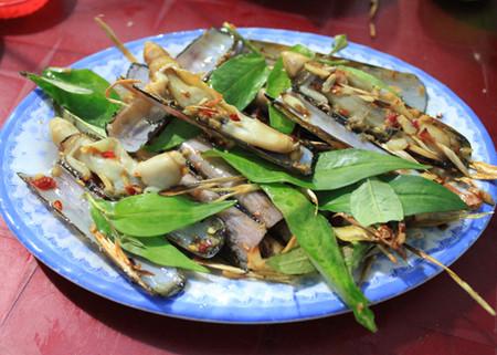 Thịt ốc móng tay giòn, ngọt cung cấp nhiều khoáng chất như can xi, sắt... nên rất bổ dưỡng