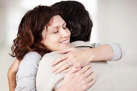 Ôm nhau giúp chống bệnh tật.