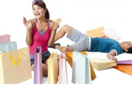 Anh bị thất nghiệp nhưng vợ không chia sẻ mà vẫn thích đi mua sắm hàng hiệu.