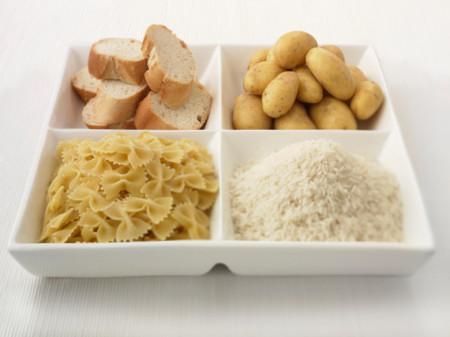 Mỗi ngày nên hạn chế ăn khoảng 200g chất bột để bảo vệ sức khỏe.