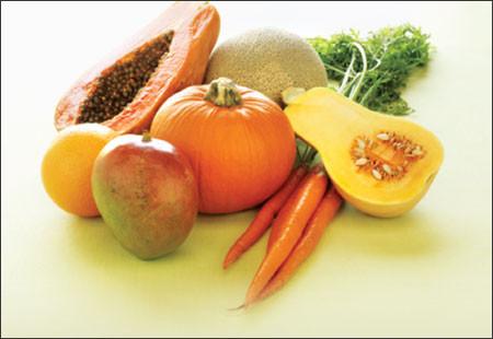 Chế độ ăn nhiều trái cây và rau củ giàu carotenoid mang lại nhiều lợi ích đối với sức khỏe.