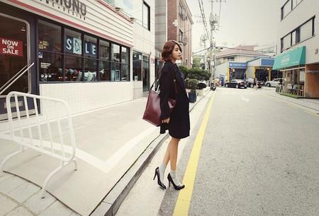 1. Giày mũi nhọn + Tất mỏng + Váy ngắn/Shorts - Nàng công sở thanh lịch 1