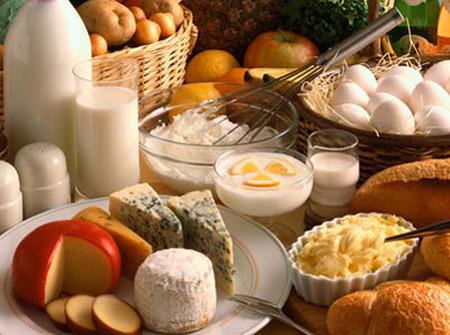 Thực phẩm giàu protein giúp cơ thể tăng nhiệt tốt hơn.