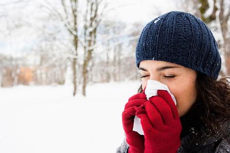Mùa đông, bạn sẽ rất dễ mắc bệnh cảm cúm, chảy máu cam, ho ra máu...