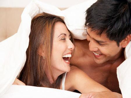 Herpes sinh dục là một bệnh tình dục lây truyền chủ yếu qua con đường sinh hoạt tình dục.