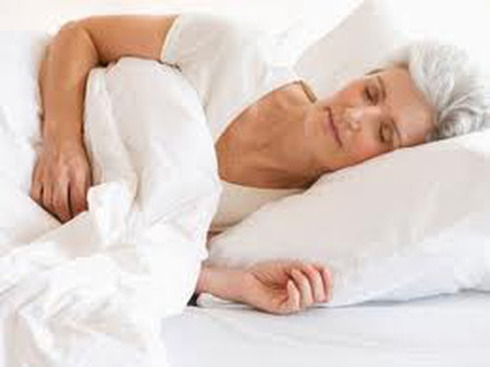 Với người lớn tuổi, để có một giấc ngủ ngon là điều không dễ.