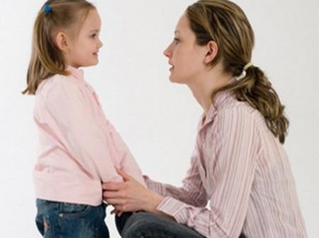 Hãy dạy con cách ở nhà một mình an toàn.