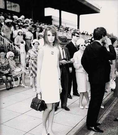 4. Jean Shrimpton và chiếc váy mini 1