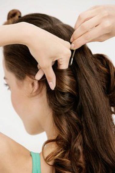 Búi tóc cao – sang trọng và cuốn hút mọi ánh nhìn 1