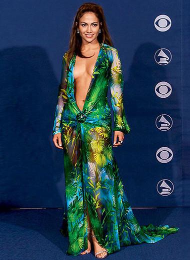 8. Chiếc váy của Jennifer Lopez 1