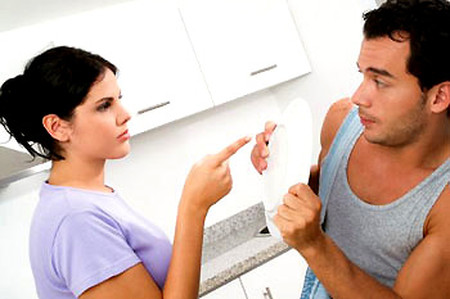 Chị không ngờ anh chồng nhát gái của chị lại là người làm cho osin nhà chị có bầu.