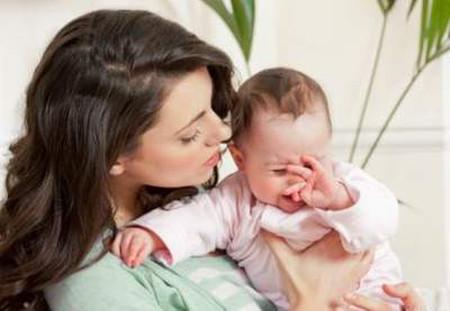 Trẻ sơ sinh hay khóc có thể là do lượng vi khuẩn bất thường trong ruột.