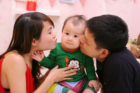 Hãy tìm hiểu ngôn ngữ yêu thương của bé.