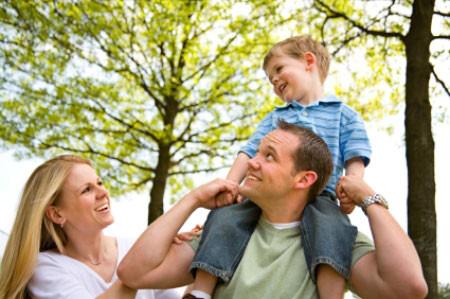 Con một thường được cha mẹ dồn hết tình yêu thương, tâm huyết để chăm sóc, cưng chiều.