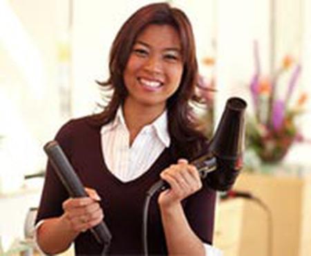 Thợ làm tóc có nguy cơ mắc hen suyễn cao do tiếp xúc hóa chất.