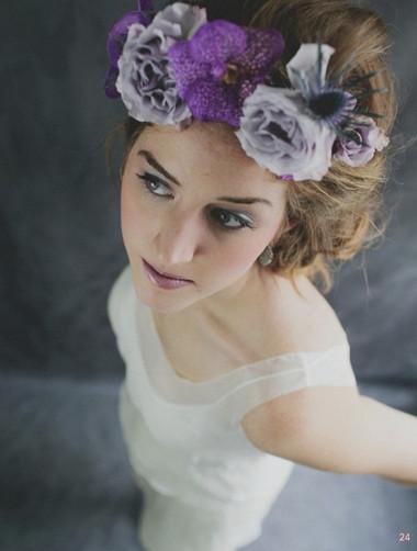 Kiểu tóc gắn hoa cho vẻ đẹp lãng mạn của cô dâu ngày cưới 1