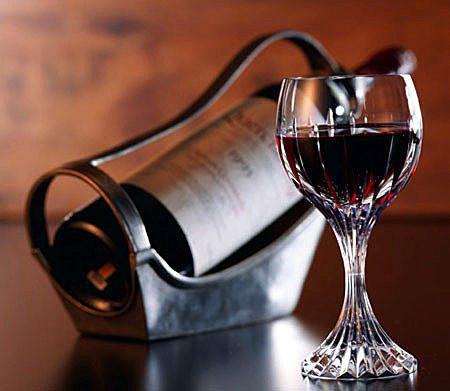 Uống rượu cồn nhiều sẽ làm giảm ham muốn tình dục.