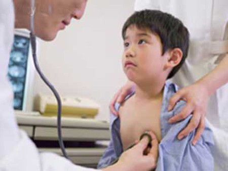 Nhiều trẻ được phát hiện loét dạ dày.
