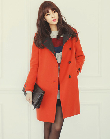 2. Trench coat + Váy ngắn + Boots 2