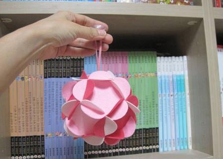 Làm quả cầu hoa trang trí cho nhà thêm sinh động 1