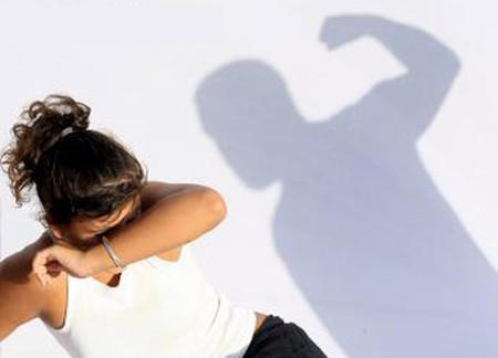 Mình luôn im lặng để không bị chồng đánh