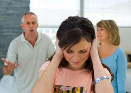 Những điều than vãn, xúi bẩy của bố mẹ chồng làm Vân như phát điên.