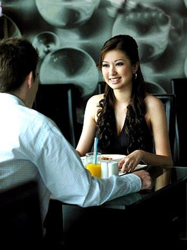Chàng sẽ không bao giờ chọn bạn khi bạn chỉ biết đến những quán ăn ngon mà không biết chế biến món nào.