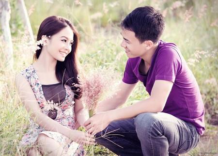 Hạnh phúc rất lớn khi lần đầu tiên tôi nhận được bó hoa và nụ cười, ánh mắt ấm áp đó của anh
