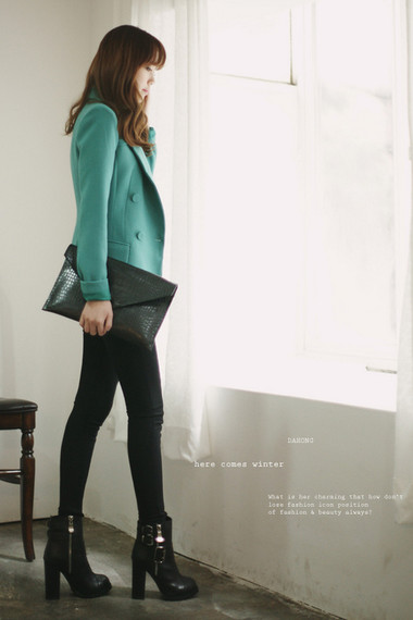 3. Legging + Blazer 4