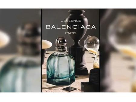 L'Essense của Balengacia Paris 1