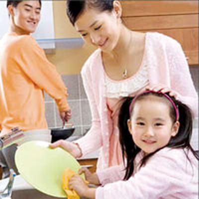 Nếu người lớn cứ mãi làm hết tất cả công việc thay bé, lớn lên trẻ sẽ ỷ lại.