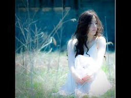 Em sẽ chờ và mong anh sẽ về bên em.