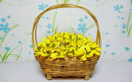 Không gian nhà bạn sẽ sáng hơn với giỏ hoa vang rực rỡ.