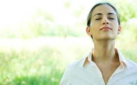Thở đúng kỹ thuật giúp bạn giảm căng thẳng và mệt mỏi trong cuộc sống.