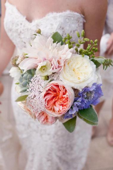 Những mẫu hoa cưới cầm tay cho cô dâu mùa Xuân/ Hè 11