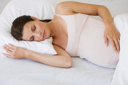 """Một số bà bầu được chỉ định """"treo chân"""" trong thời gian mang thai do gặp phải các vấn đề về sức khỏe."""