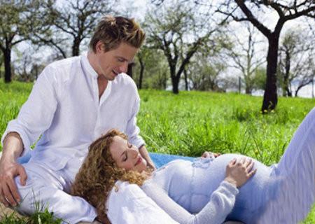 Vitamin D cần thiết cho phụ nữ mang thai.