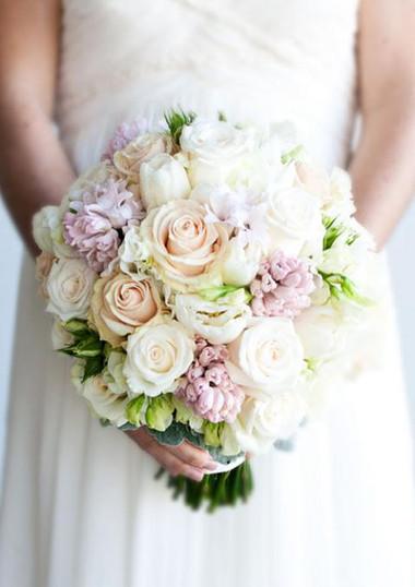 Những mẫu hoa cưới cầm tay cho cô dâu mùa Xuân/ Hè 5