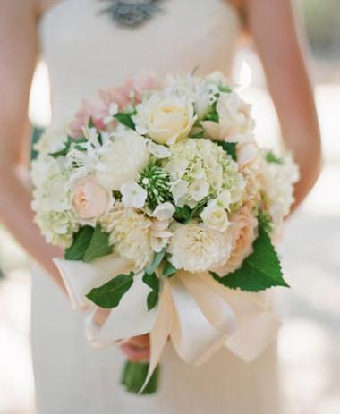 Những mẫu hoa cưới cầm tay cho cô dâu mùa Xuân/ Hè 6