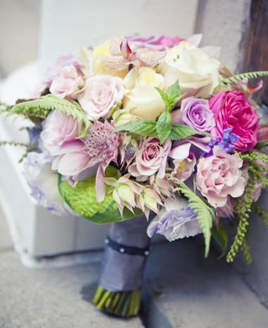 Những mẫu hoa cưới cầm tay cho cô dâu mùa Xuân/ Hè 7