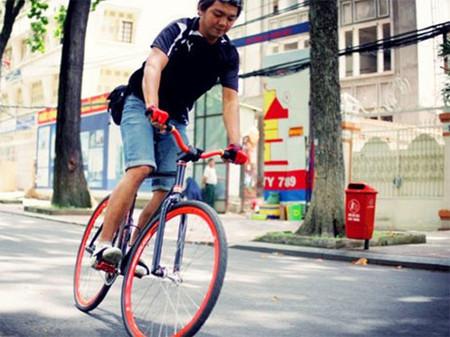 Bây giờ tôi rất thoải mái khi đi xe đạp.