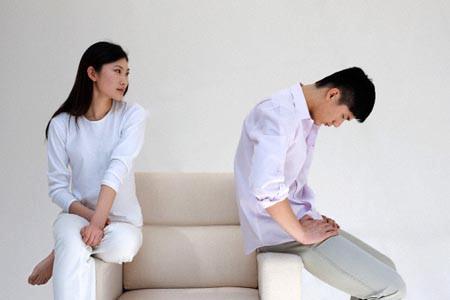 Điệp không sao hiểu nổi thái độ hờ hững của Trung.
