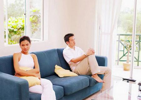 Ghen tuông nghi ngờ dẫn đến hôn nhân của bạn đi vào ngõ cụt.