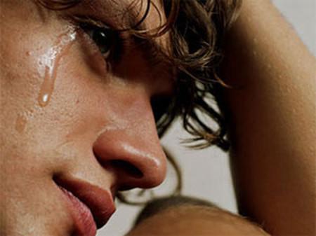 Tôi muốn chia tay vợ nhưng nghĩ đến con lại ứa nước mắt.